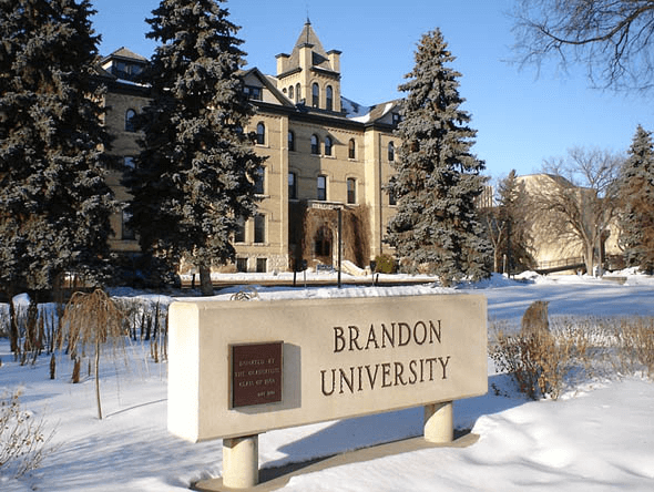 Top 3 trường Đại học có mức học phí tốt nhất cho du học sinh Canada