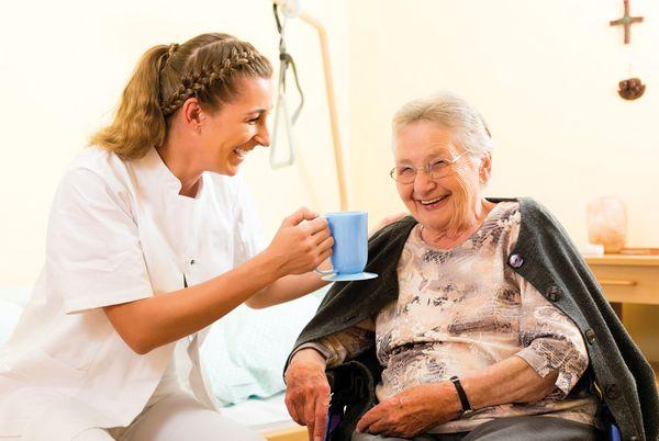 Bạn có biết công việc hàng ngày của một điều dưỡng viên tại Đức?