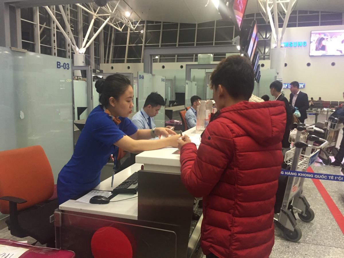 Du học sinh Thuận Phát Checkin tại sân bay quốc tế Nội Bài T4.2017
