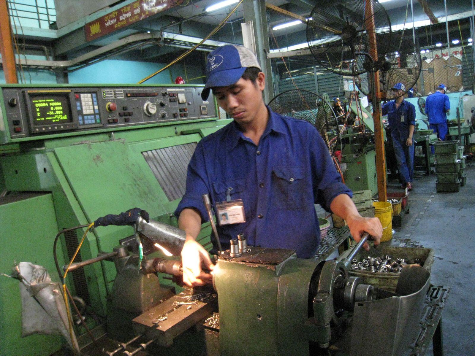 T9/2017 - Tuyển 06 nam Gia công đồ gá và dụng cụ, chế tạo khuôn mẫu làm việc tại tỉnh Aichi Nhật Bản