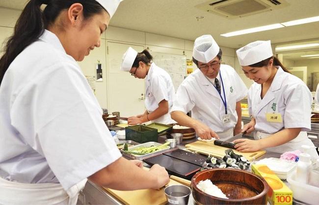 T6/2017 - Tuyển 50 nam nữ Làm sushi tại xưởng ở tỉnh Shizuoka Nhật Bản